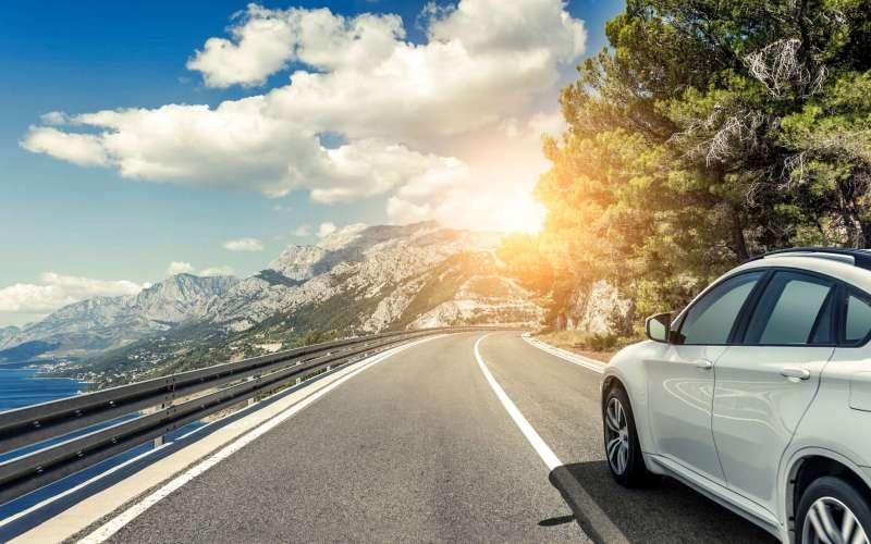 Les avantages de louer une voiture lors de la recherche d'une destination